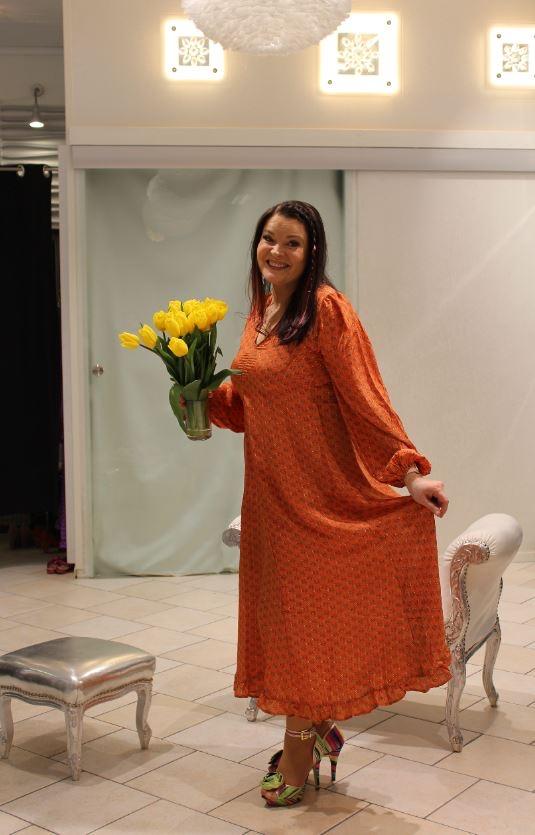 Sissel Edelbo mekko oranssi