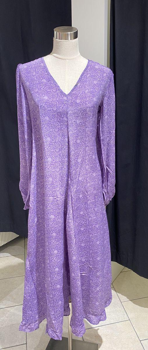 Sissel Edelbo mekko vaalean violetti